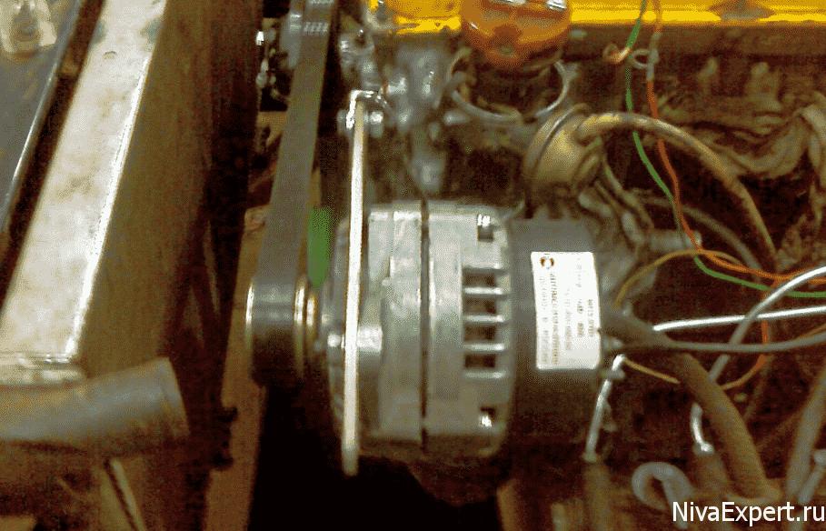 крепление генератора