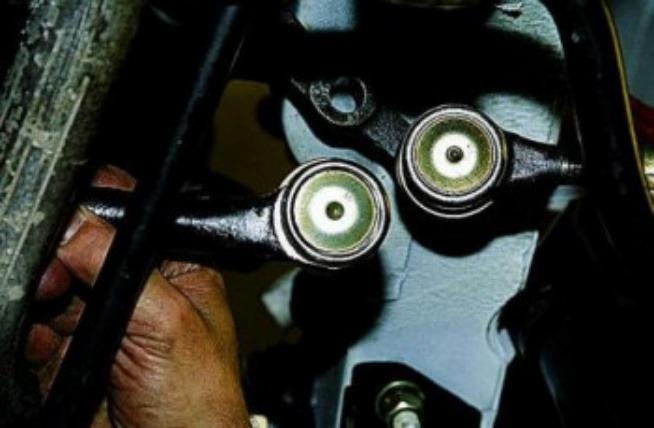 Замена рулевых наконечников 10