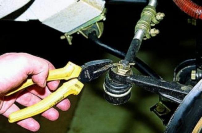 Замена рулевых наконечников 1