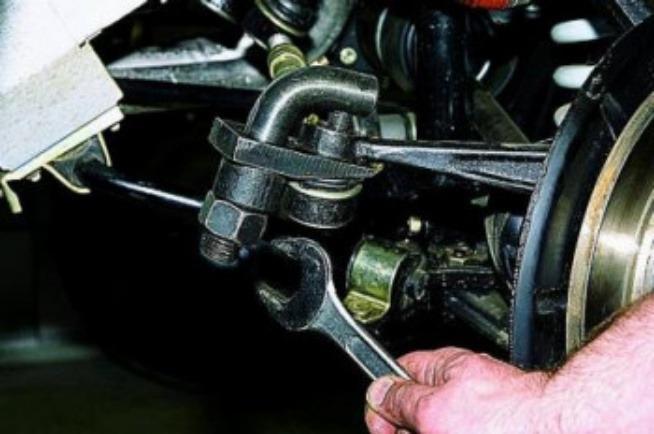 Замена рулевых наконечников 3